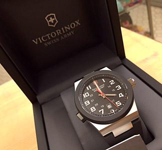 VICTORINOX SWISS ARMY  腕時計